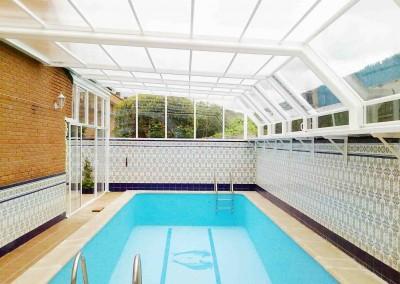 Cubiertas de piscinas adosadas cubricover for Piscina cubierta illescas