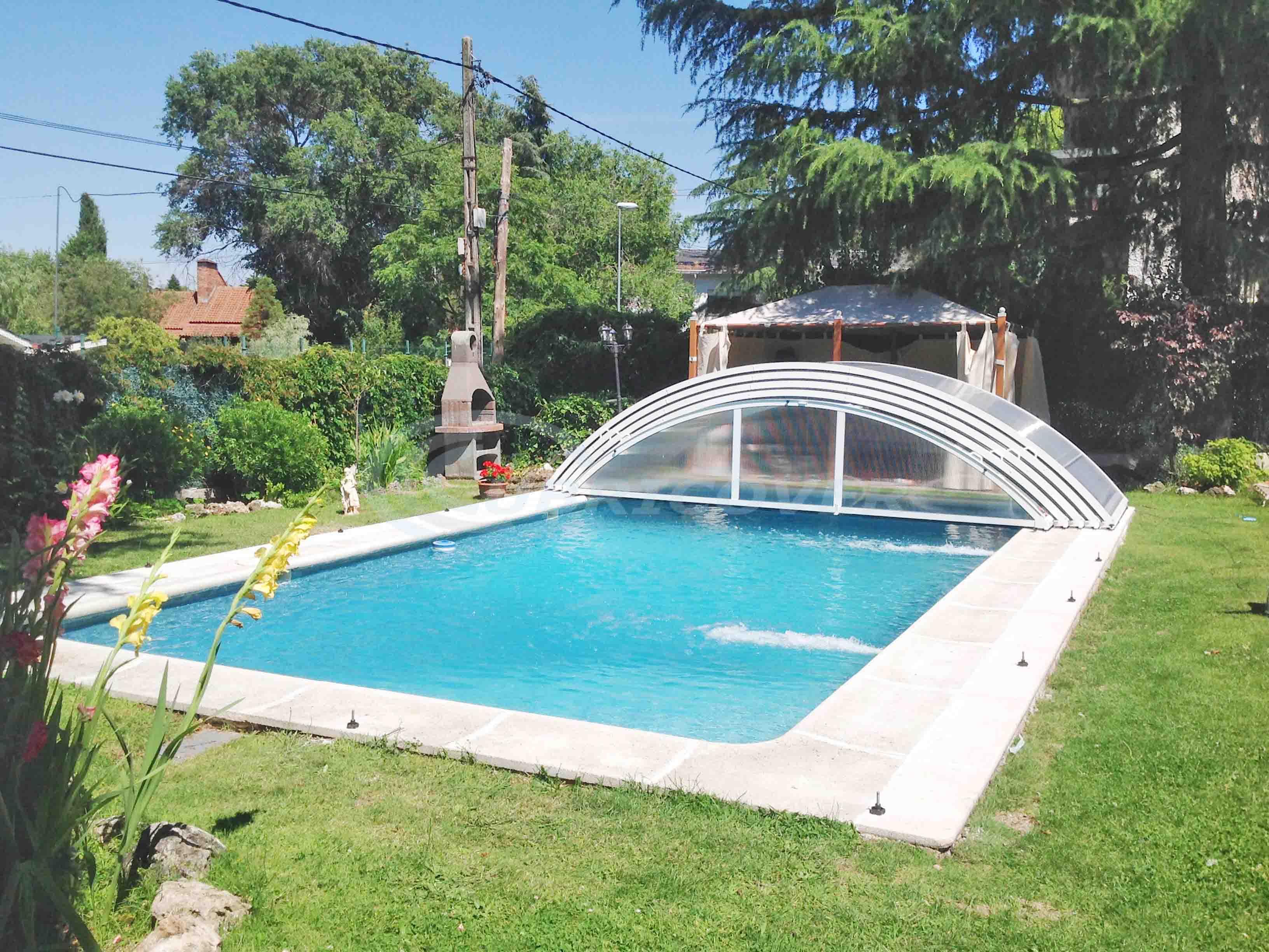 Cubierta para piscina baja telesc pica cubricover for Piscina cubierta zaragoza