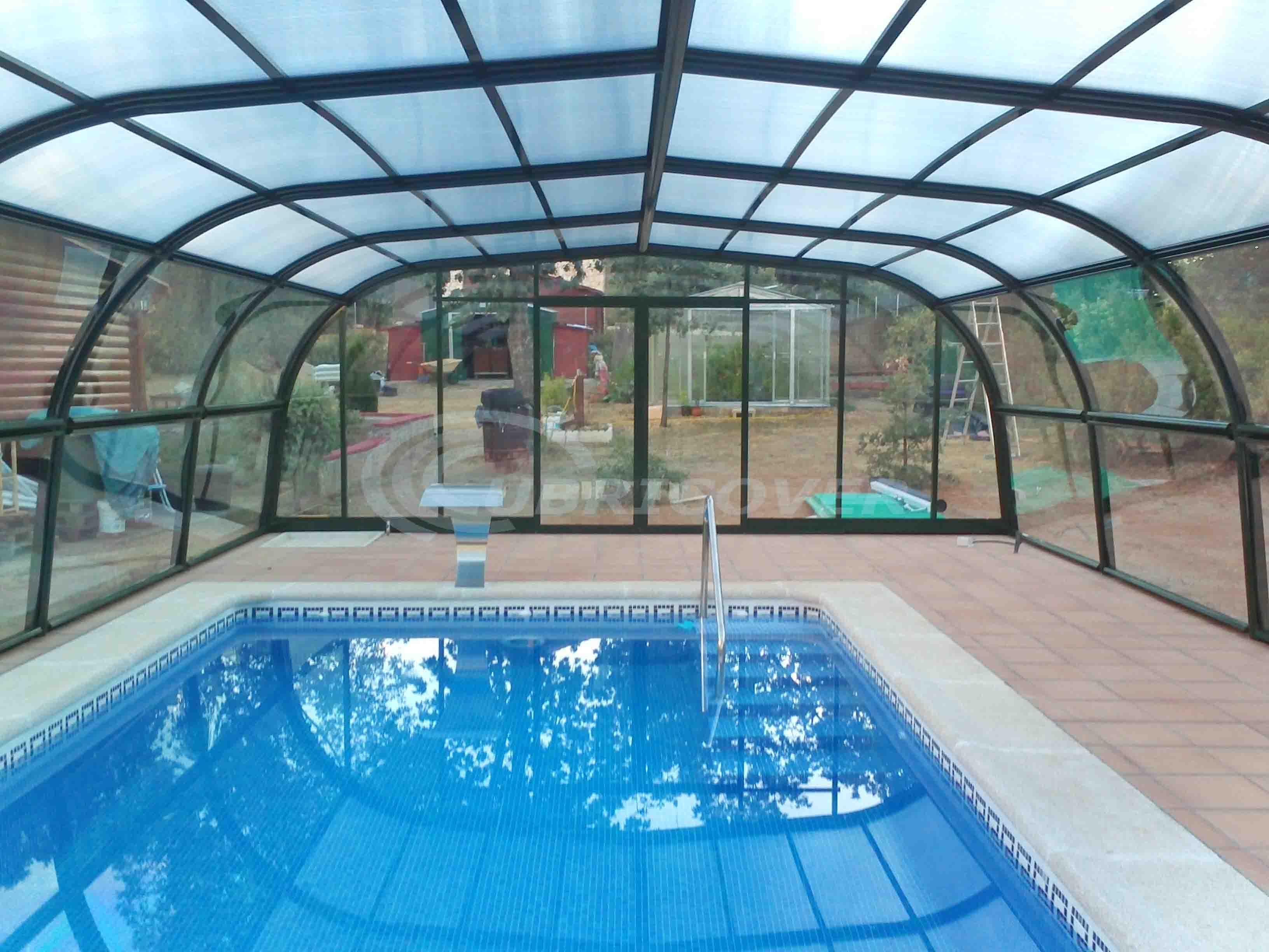 Cubiertas para piscinas fijas cubricover for Cubiertas para piscinas madrid