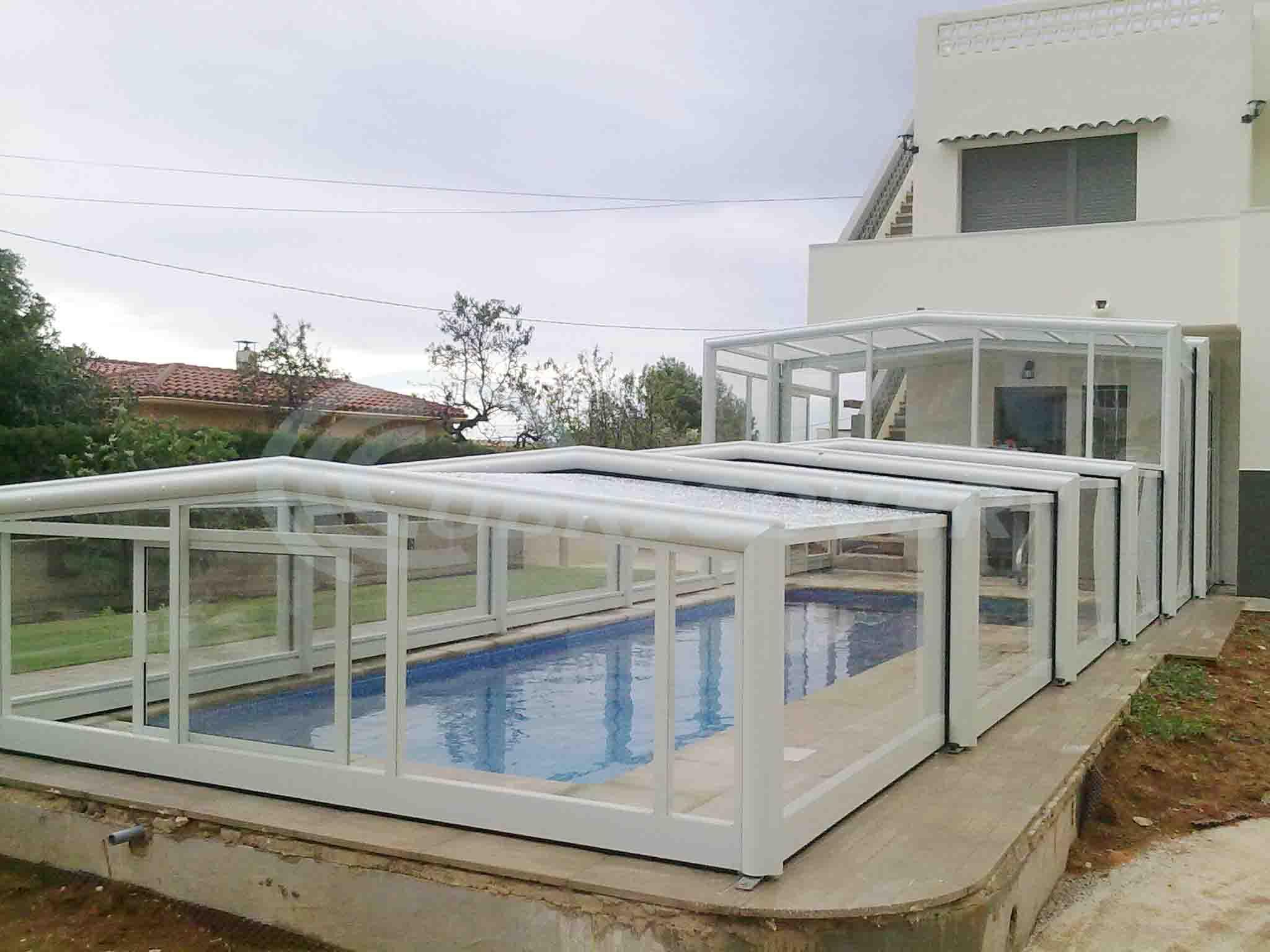 Cubiertas telescopicas malaga 2 cubiertas para piscina y cerramientos de piscina cubricover - Piscinas cubiertas malaga ...